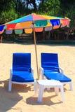 Ponto intermediário claro da praia do céu à praia imagens de stock