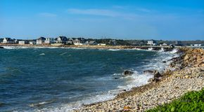 Ponto rochoso Massachusetts de Westport da praia do impacto da onda Fotografia de Stock
