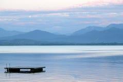 ponton jeziora. Zdjęcie Royalty Free