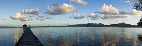 Ponton op lagune bij ochtend Stock Foto