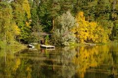 Pontone in autunno Immagini Stock Libere da Diritti
