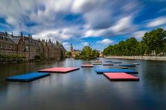 Pontons flottants dans Het Binnenhof le Hauge Photos libres de droits
