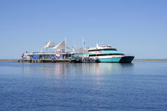 Pontoon at the Great Barrier Reef, Aus Royalty Free Stock Photos