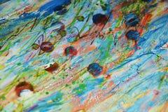 Pontos brancos vermelhos da cera da pintura escura colorida, projeto criativo Foto de Stock Royalty Free