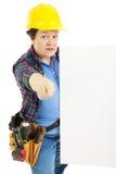 Pontos sérios do trabalhador com sinal Imagens de Stock Royalty Free