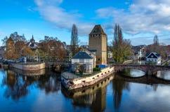 Ponts couverts και λεπτοκαμωμένη άποψη της Γαλλίας στο Στρασβούργο Στοκ Εικόνες