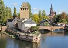 Ponts Couverts och Strasbourg domkyrka Arkivbilder