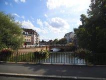 Ponts en Strassburg et ciel bleu images libres de droits