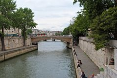 Ponts et remblais de la Seine Photos stock