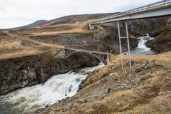 Ponts traversant la rivière Gilsa en Islande est Photographie stock