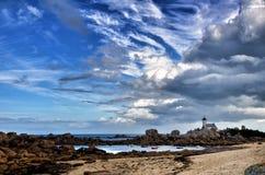 Pontusval, Bretagne, der kleine Leuchtturm Lizenzfreie Stockfotos