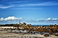 Pontusval, Brittany mała latarnia morska Zdjęcie Stock