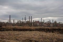 Ponury przemysłowy krajobraz w Rosja zdjęcie stock