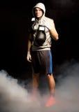 Ponury przyglądający bokser ustalający wygrywać Obraz Stock