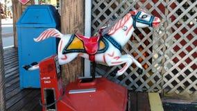 Pony Ride am Strand lizenzfreie stockfotos