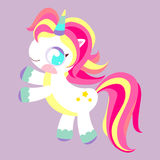 Pony Unicorn Caballo mágico del arco iris Juguete con la melena multicolora Carácter de los niños Foto de archivo libre de regalías