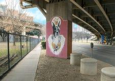 Pooch-als thema gehade kunst in Schorspark Centrale, Diepe Ellum, Texas royalty-vrije stock fotografie
