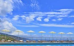 Pool auf dem Himmel lizenzfreies stockbild
