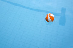 Pool and ball Royalty Free Stock Images