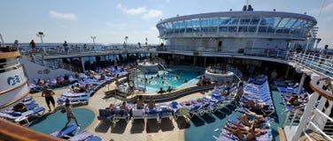 Pool cruise ship Crown Princess. Zonnebaden op het achterdek van cruise schip Crown Princess. Middellandse zee Royalty Free Stock Photos