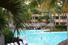 pool den tropiska semesterorten Royaltyfria Foton