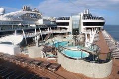 Pool der offenen Plattform auf einem Kreuzschiff Lizenzfreies Stockbild
