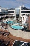 Pool der offenen Plattform auf einem Kreuzschiff Lizenzfreie Stockfotografie