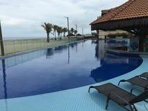 Pool en strand Royalty-vrije Stock Afbeeldingen