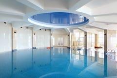 Pool in hotel Stock Afbeelding