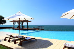 Pool Hotel Saman Villas and Indian Ocean  Royalty Free Stock Photos