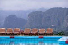 Pool am Hotelerholungsort in Vinales, Kuba lizenzfreie stockfotos