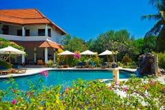 Pool im Hotel Stockfotografie