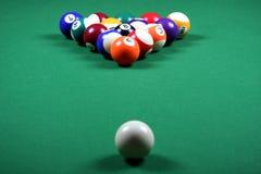 Pool-Kugeln und Tabelle Stockfoto
