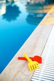 Pool met waterdia op de achtergrond Royalty-vrije Stock Foto