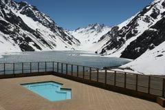 Pool mit einer Ansicht Lizenzfreies Stockfoto