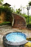 Pool mit Schritt Stockfoto