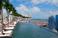 Pool op Marina Bay Sands-hotel Stock Afbeeldingen
