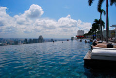 Pool op Marina Bay Sands-hotel Stock Afbeelding