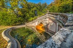 Pool in Parco-delle Terme in Montecatini lizenzfreies stockfoto