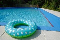 pool privat simning arkivbild
