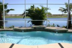 pool simning Royaltyfri Bild