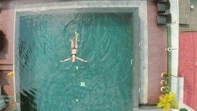 pool simningkvinnan arkivfilmer