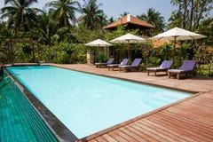 Pool und Entspannung Lizenzfreie Stockfotos