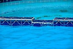 Pool und heiße Wanne Stockbild