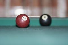 Poolbälle auf dem Tisch Stockfotos