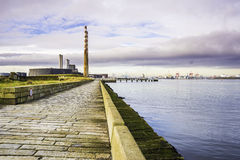 Poolbeg που παράγει το σταθμό και το λιμένα του Δουβλίνου Στοκ φωτογραφία με δικαίωμα ελεύθερης χρήσης