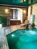 Poolhaus für Schwimmen lizenzfreie stockfotografie