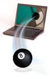 Poolkugel, die vom Computer kommt Lizenzfreie Stockfotos