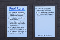 Poolrules Signs Do Not Bring Dieren op Poolgebied Royalty-vrije Stock Foto