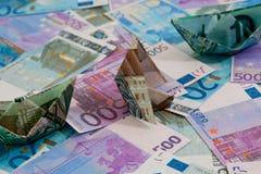 Pools geld op achtergrond van euro geld Royalty-vrije Stock Foto's